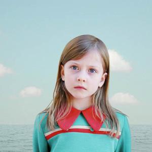 Лоретта Люкс детский фотоколлаж девочка в зеленом