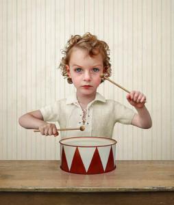 Лоретта Люкс детский фотоколлаж мальчик с барабаном