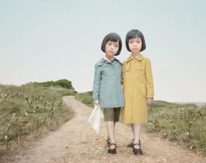 Лоретта Люкс детский фотоколлаж девочки на дороге