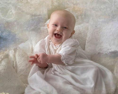 Ричард Рэмси фотоколлаж ребенок в белом