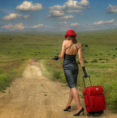 Фотоколлаж Юлия Напольская девушка с чемоданом