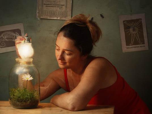 Фотоколлаж Юлия Напольская девушка у лампы