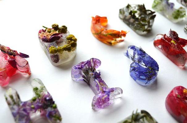 фотоколлаж Петра Благова цветочные кубики льда
