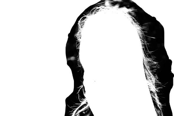 Вырезаем волосы применить используем закрашиваем белым photoshop